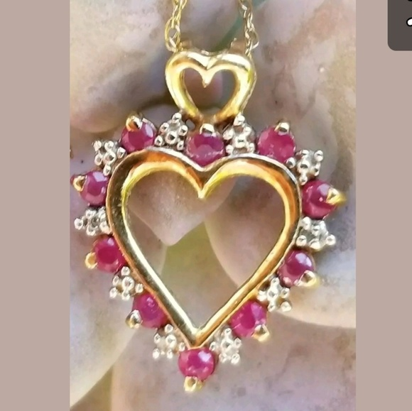 Valentine/'s Day GIFT IDEA Guess Rhinestone Heart Pendant Chain Necklace NWT